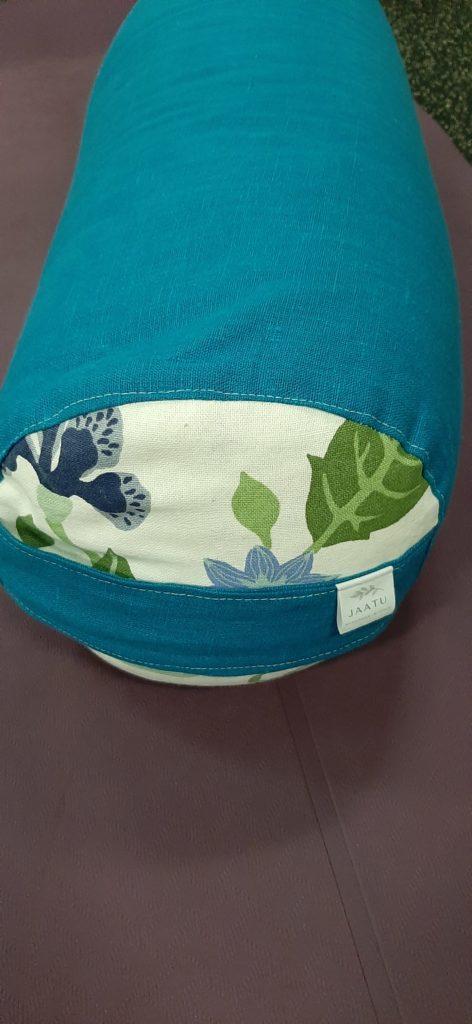 luonnonmateriaaleista-valmistettu-tyyny